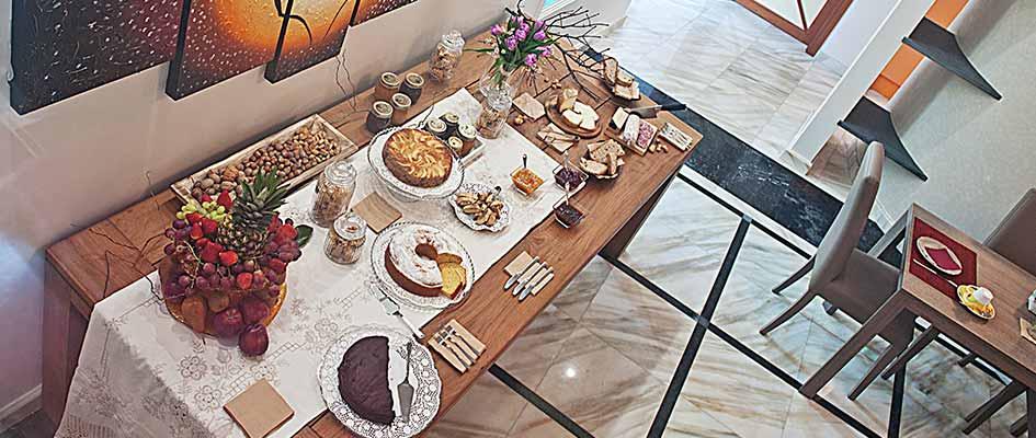 Colazione a Km 0 con i nostri prodotti fatti in casa, Bed and Breakfast La Tosca